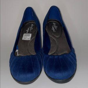 Dexflex Comfort blue suede size 7W